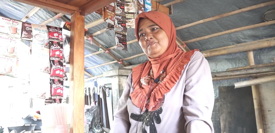 Temui Anggota BMT Bina Ummah: Ibu Sri, Pemilik Angkringan